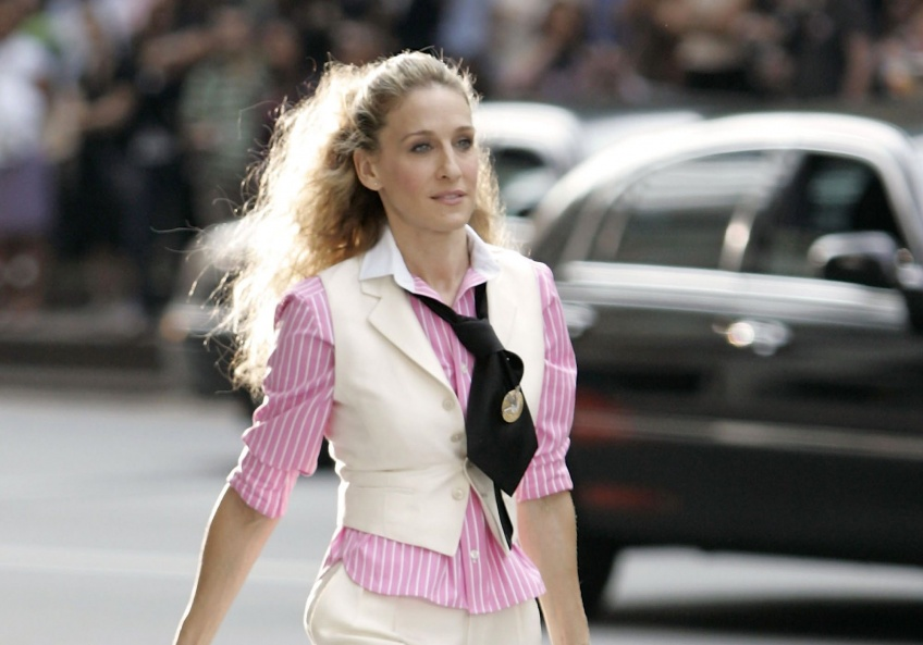 Carrie Bradshaw looks