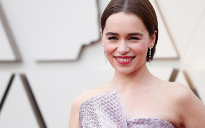 Emilia Clarke Game of Thrones opérations cérébrales