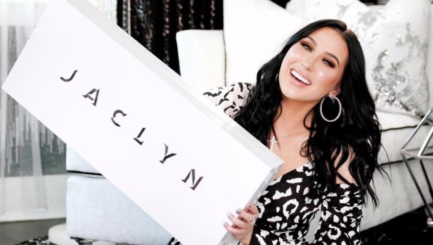 La youtubeuse Jaclyn Hill au cœur d'un scandale autour de sa gamme de rouges à lèvres !