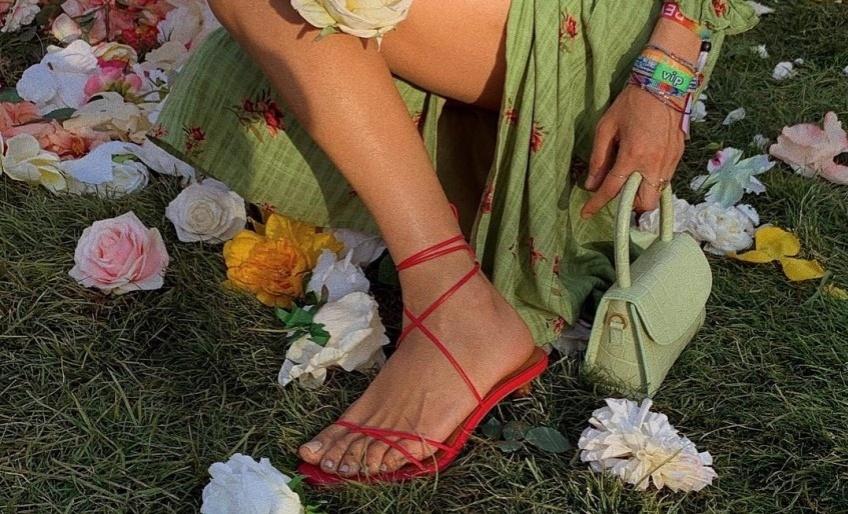 Les seules sandales vraiment resplendissantes qu'il vous faut absolument pour cet été !