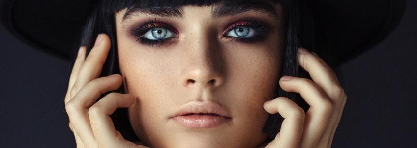 Le smoky-eyes noir : la tendance la plus attendue de la rentrée !