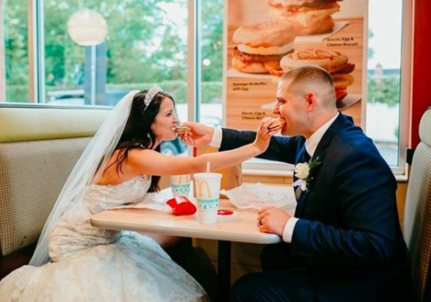 Se marier au McDonald's du quartier, c'est désormais possible !