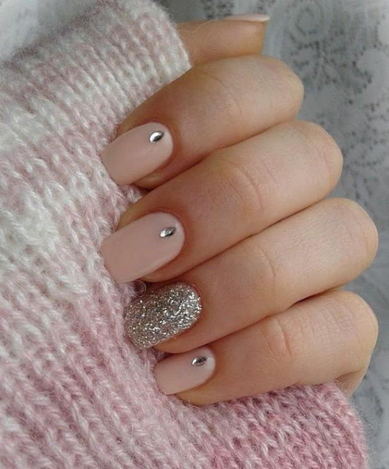 nail art a paillette