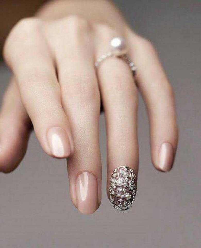 Nail art invité mariage