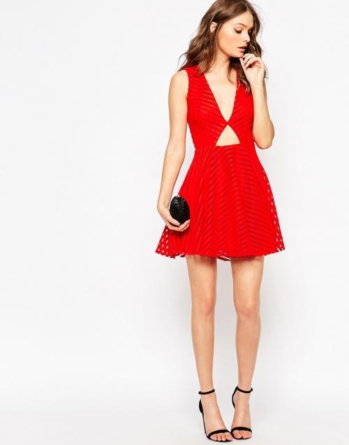 Une robe rouge pour no l les claireuses for Robe de noel rouge