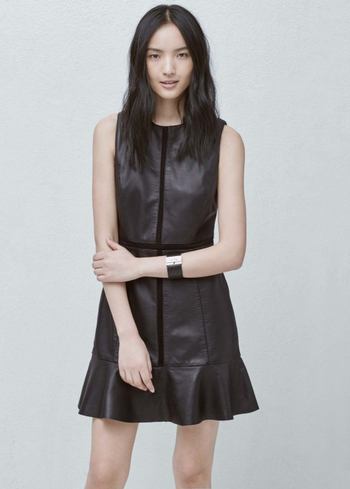 20 petites robes noires pour avoir du succ s tous les soirs les claireuses. Black Bedroom Furniture Sets. Home Design Ideas