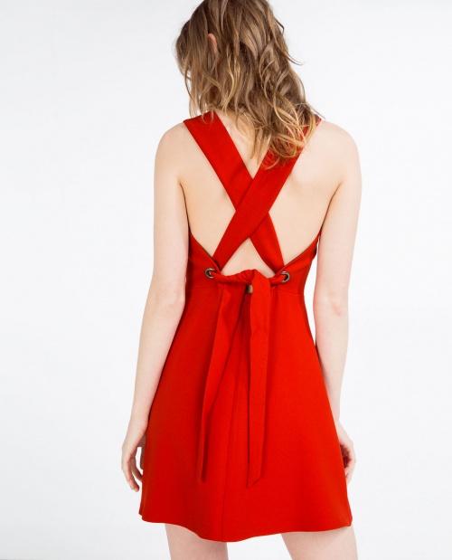 Robe rouge et noir zara