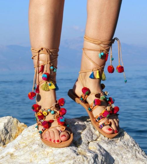 Mardi Shoesday La Sandale Pompons La Star De L 39 T Les Claireuses