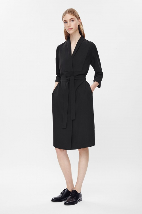COS blazer long robe noire ceinturée
