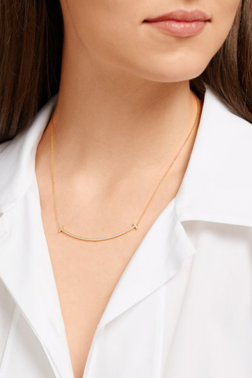 Tiffany & Co - Collier or barre croix