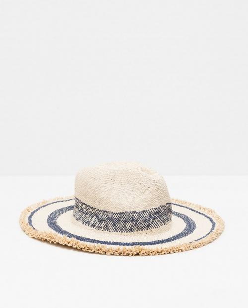 30 chapeaux canons pour la plage les claireuses. Black Bedroom Furniture Sets. Home Design Ideas