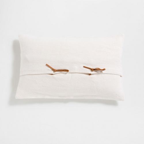 on accumule les coussins pour un int rieur cosy. Black Bedroom Furniture Sets. Home Design Ideas