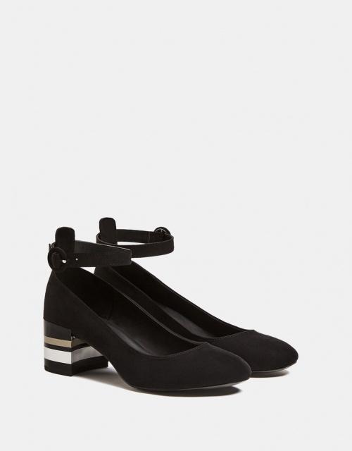 Chaussure talon moyen brillante avec bride cheville