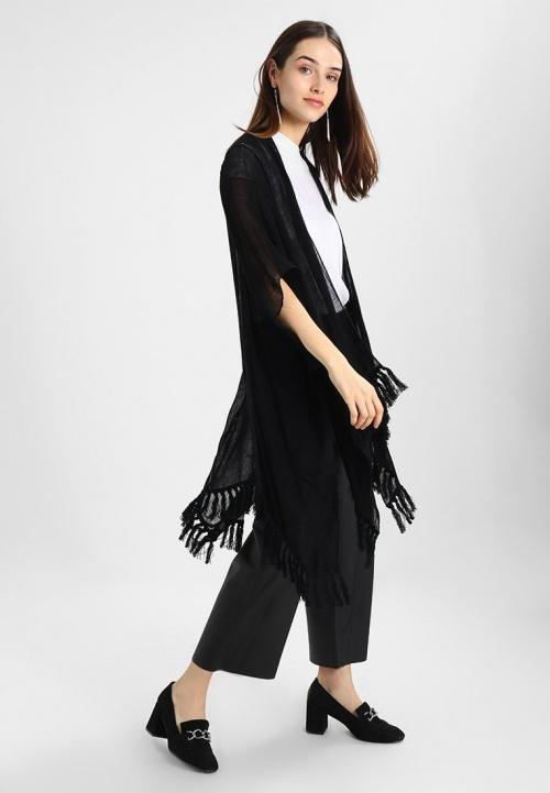 Anna Field - Kimono