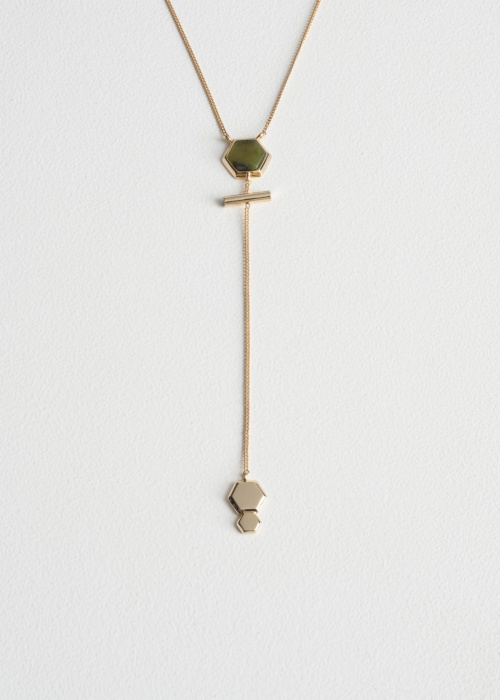 collier pendentif avec pierre kaki