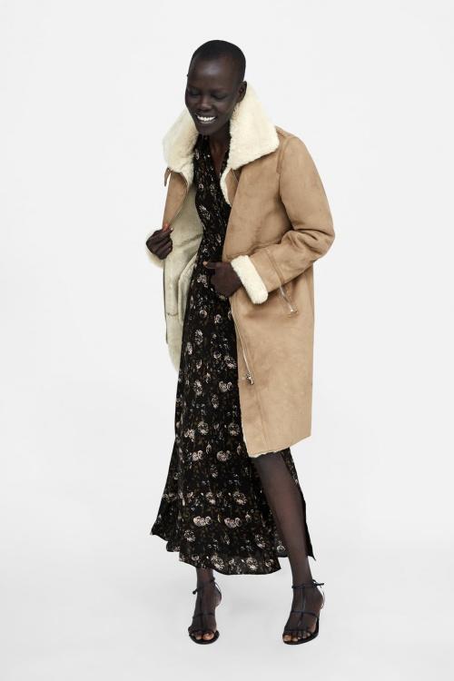 Va Trouvé Le Tout Manteau Porter Cet Monde Zara Que AlerteOn A yYg76bf