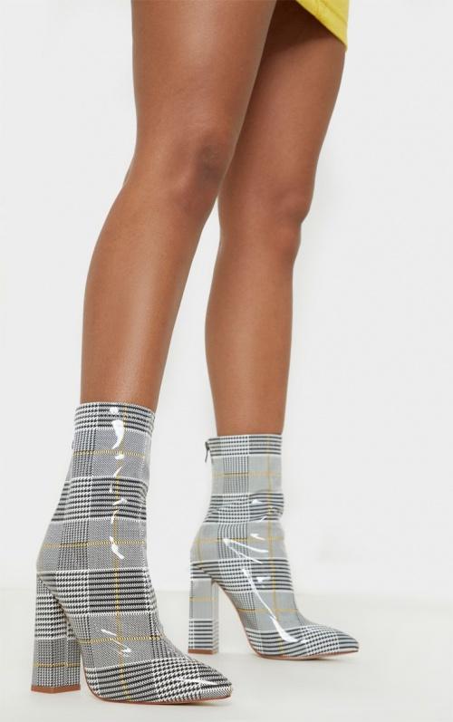 Boohoo - Bottines chaussettes à carreaux