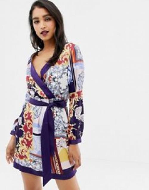 Lipsy - Robe en satin avec lien à la taille et imprimé façon foulard