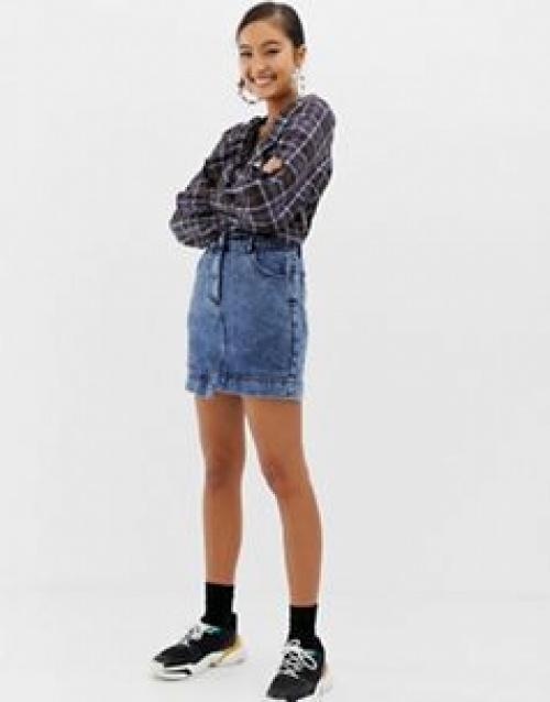 COLLUSION - Mini-jupe en jean à délavage neige moyen