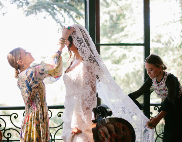 Mary Kate et ashley Olsen wedding dress