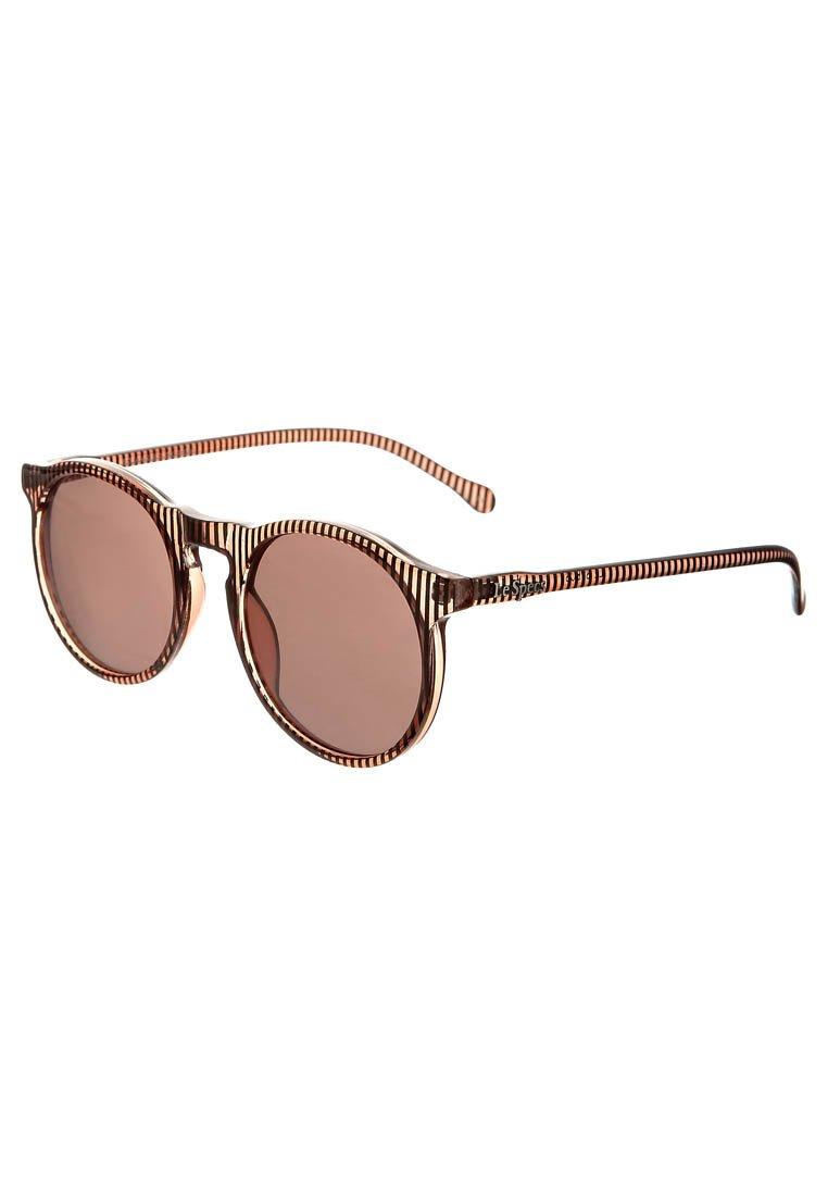 0ca2a5f8c9 Astuce   Comment choisir ses lunettes de soleil