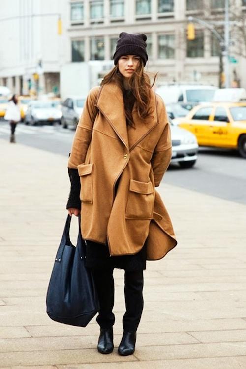 Assortir une veste camel
