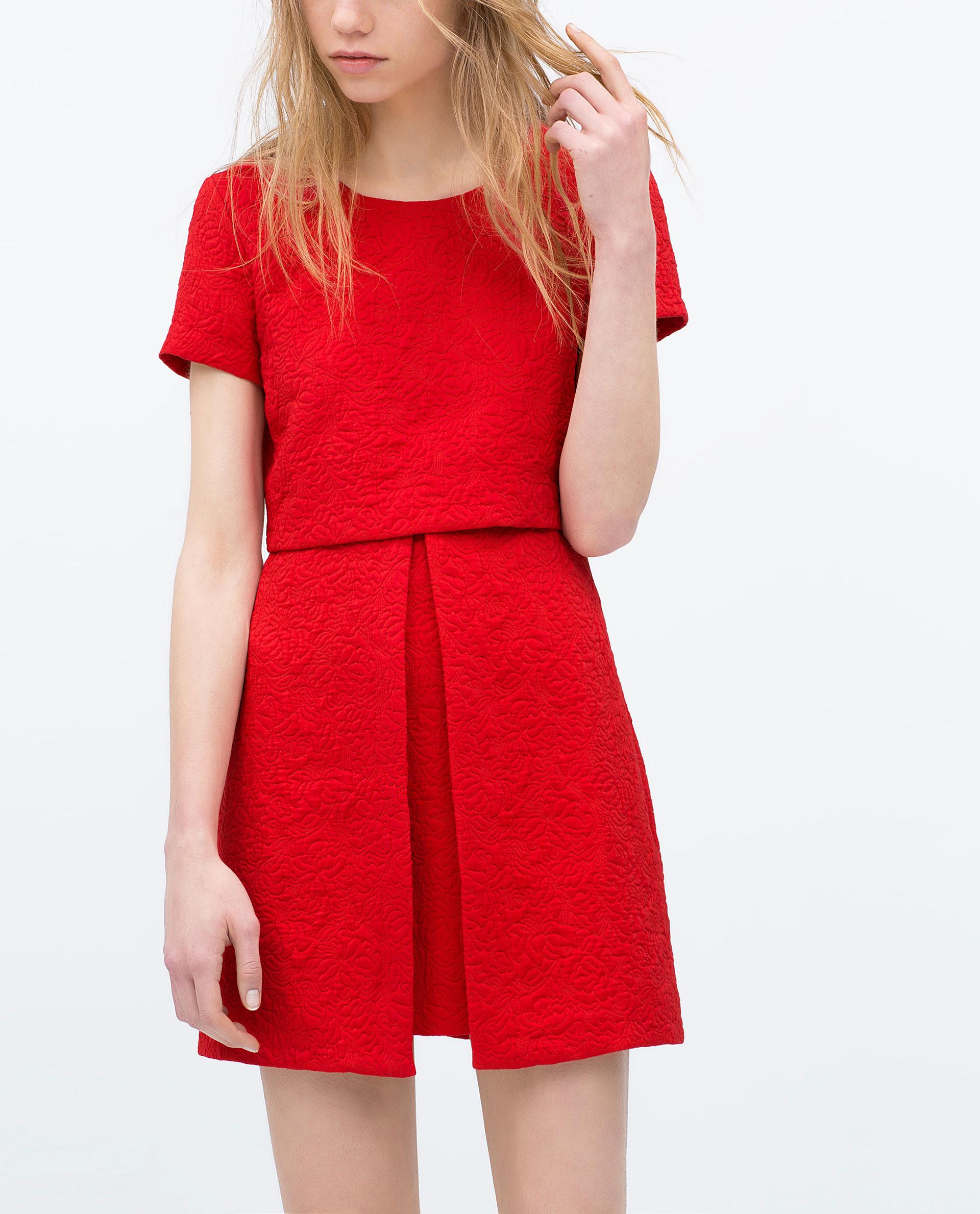 20 sublimes robes rouges pour vous faire remarquer
