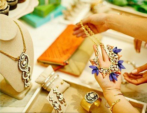 La plus belle marque de bijoux est enfin arriv e en france les claireuses - Marque de the connu ...