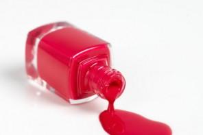 #Astuce : Comment nettoyer des tâches de vernis à ongles ?