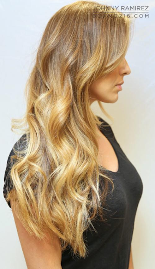 coloration blonde sur brune avec sa coloration blond trs clair or cuivr vous oseriez with. Black Bedroom Furniture Sets. Home Design Ideas