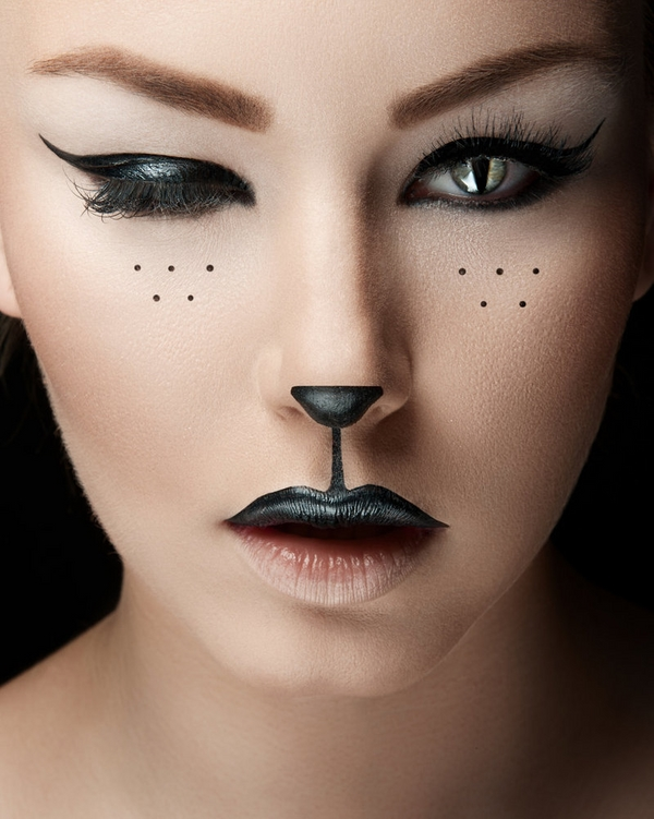 Five Makeup Tips From A Pro Makeup Artist: 5 Makeup D'Halloween Avec Juste Un Eyeliner