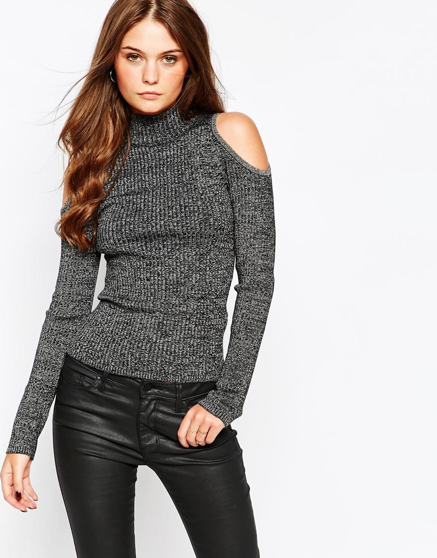 Пуловер С Открытым Плечом