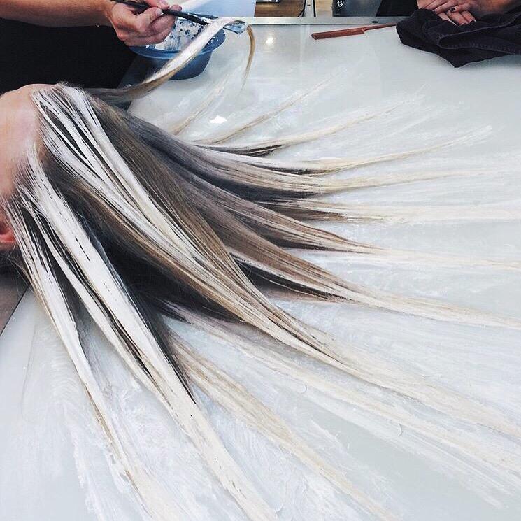Le fluid hair painting la toute nouvelle fa on de se for Fluid hair painting