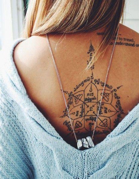 phrase femme tattoo tatouées