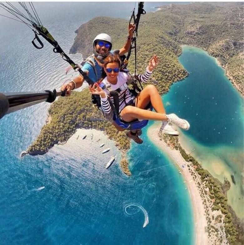 parachute selfie sensation extreme experience