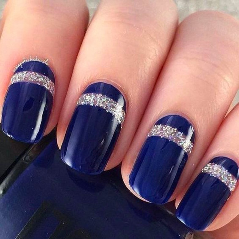30 Idees De Nail Art Bleu Nuit