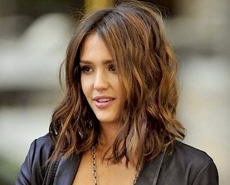 Effet wavy cheveux carre