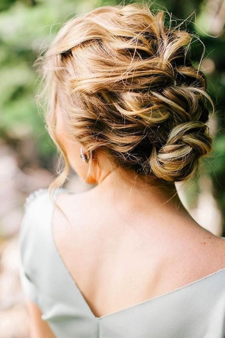50 idées de coiffures quand on est invitée à un mariage !