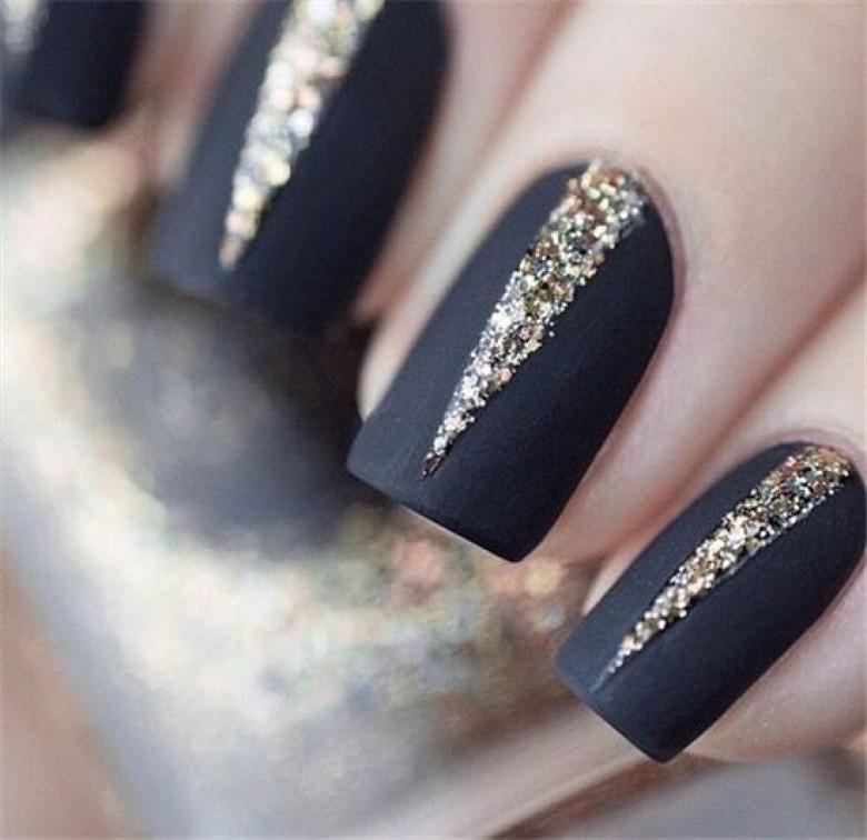 20 inspirations de Nail Art noir et doré