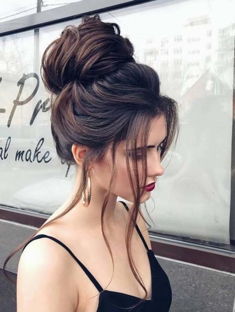 Les 20 coiffures les plus canon pour les brunes
