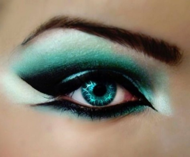 20 inspirations pour maquiller vos yeux verts