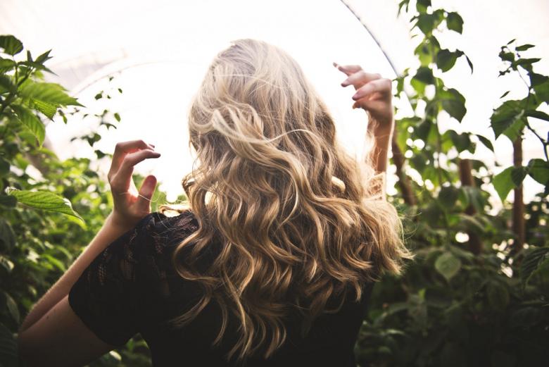 cheveux pellicule irritation
