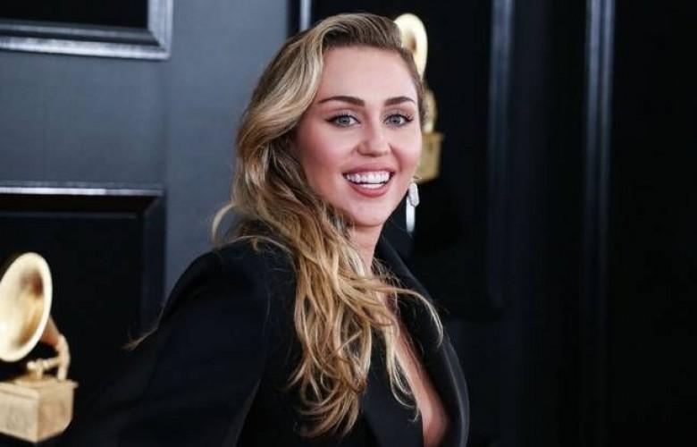 Miley Cyrus - Grammy's Award