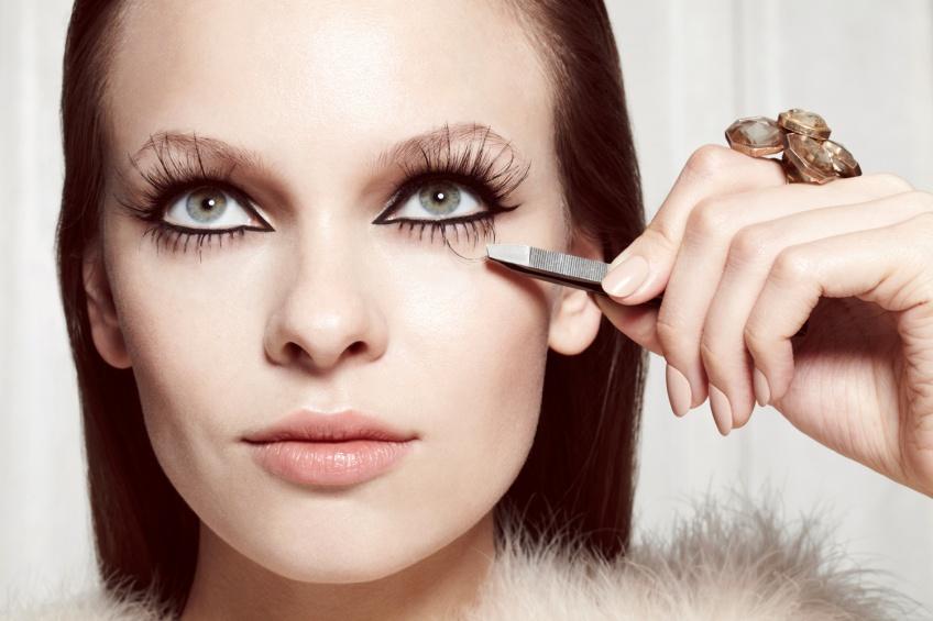 Boostez votre makeup en un clin d'oeil avec les faux-cils !