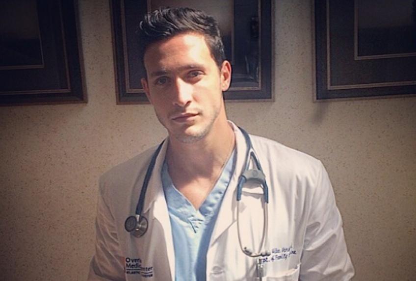 #Hotdude : Docteur Mike, pour vous servir