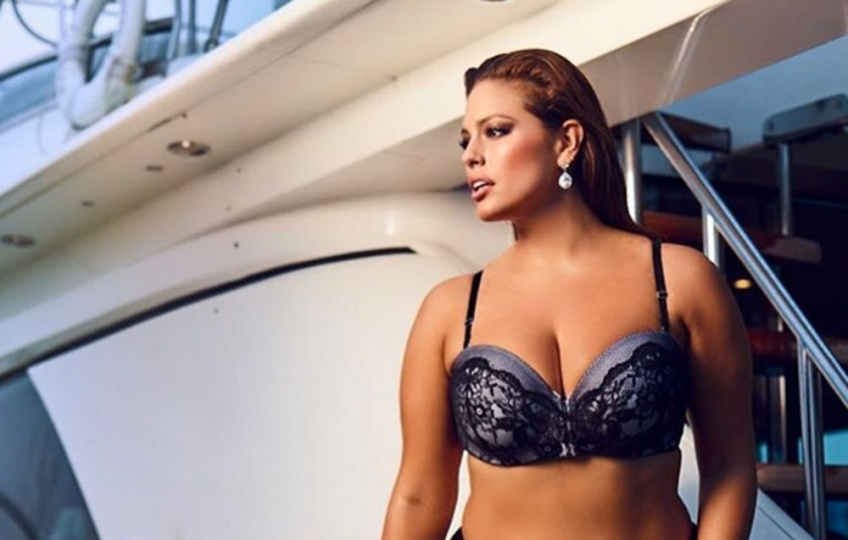 Ashley graham ultra-sexy pour le Sport Illustrated