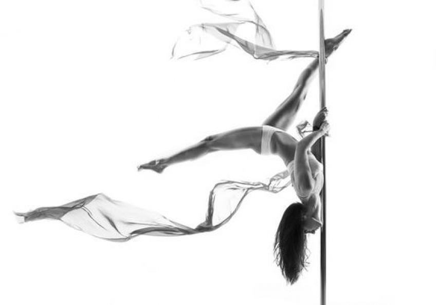 Parenthèse Sportive #2 : la pole dance pour un corps sculpté
