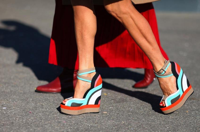 25 paires de chaussures colorées pour puncher vos pieds !