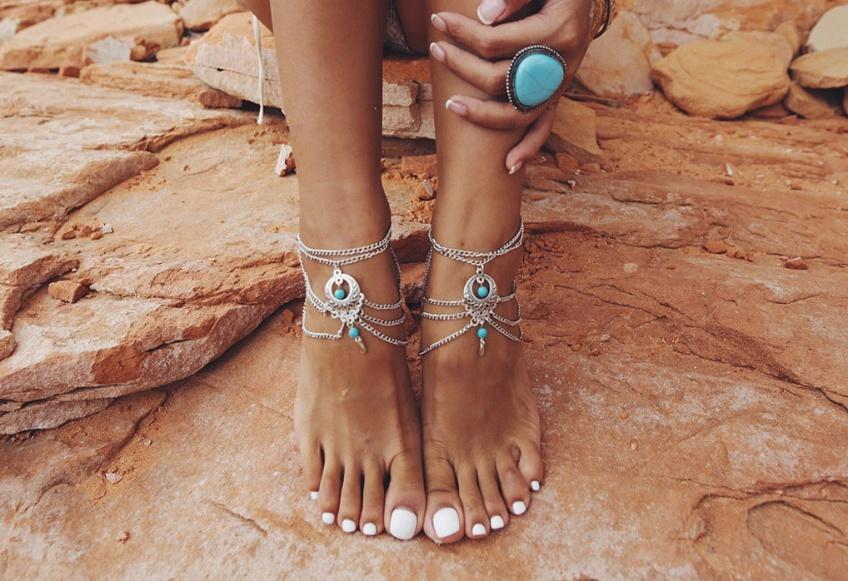 Des bracelets de chevilles pour cet été