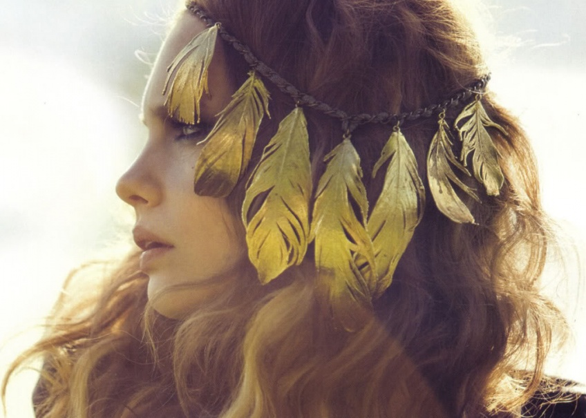 Les Hair Metallic Tattoos : la tendance cheveux de la saison